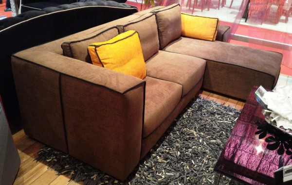 2.5 SEATER SOFA WITH CHAISE - FRM62072