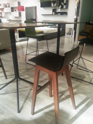 SOLID WOOD BAR CHAIR - FRM10354