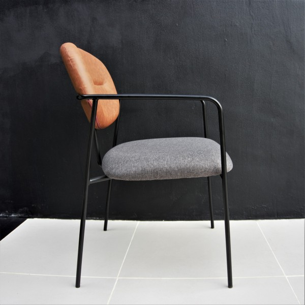 LOUNGE CHAIR - FRM72045