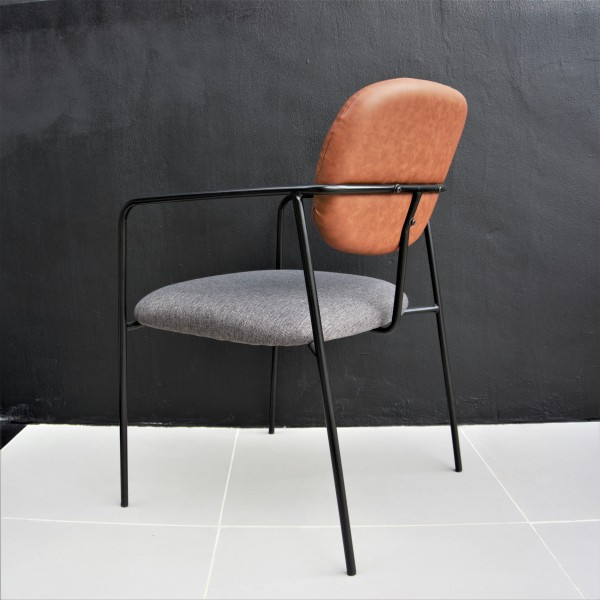 LOUNGE CHAIR - FRM72046