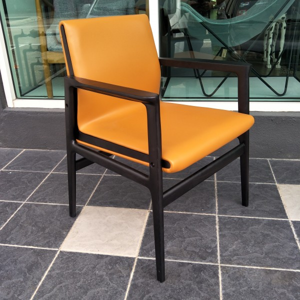 DINING CHAIR WITH ARM - FRM02401