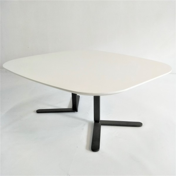 MIDDLE COFEE TABLE - FRM20743