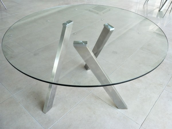 ROUND GLASS DINING TABLE - FRM51232