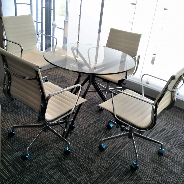 ROUND GLASS TABLE - FRM5113A4