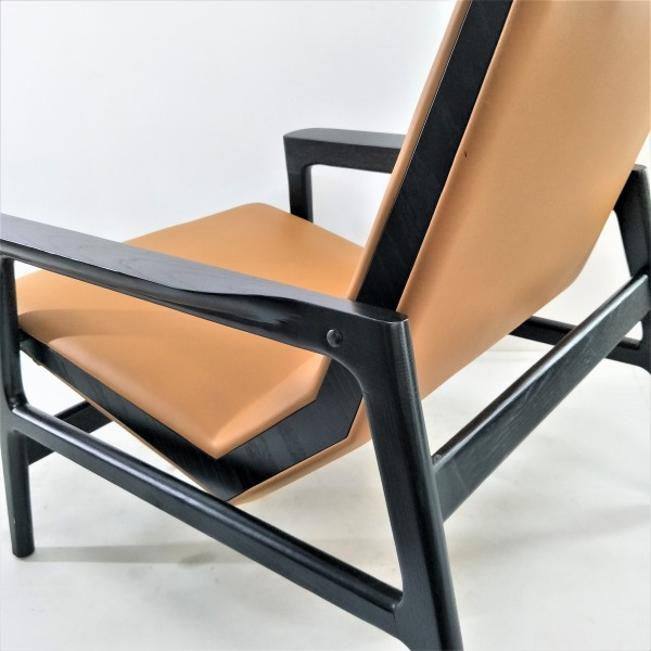 LOUNGE CHAIR - FRM71945