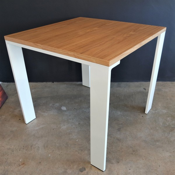 FRM5055 DINING TABLE1