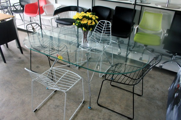 THE KARTELL GLOSSY DINING TABLE - FRM50064