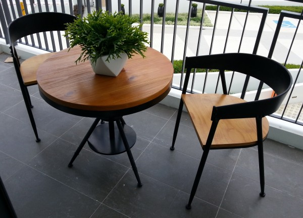 ROUND DINING TABLE - FRM1047A2
