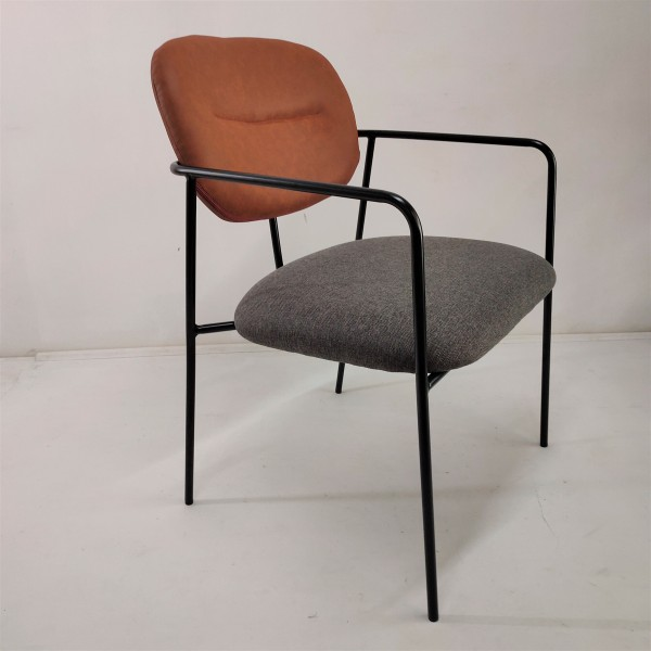 FRM7204 - LOUNGE CHAIR1