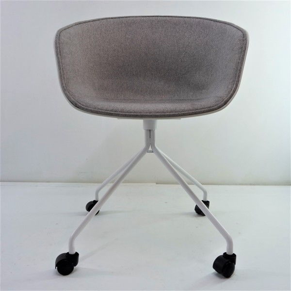ABOUT A CHAIR  FRM9029-FG3