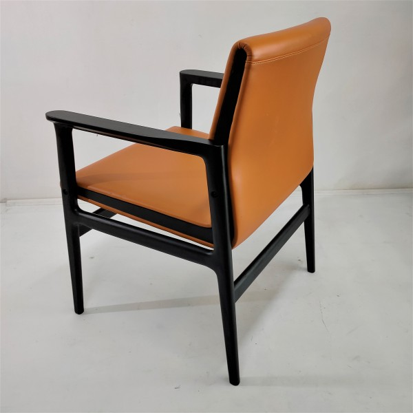 SOLID WOOD LOUNGE CHAIR - FRM02404