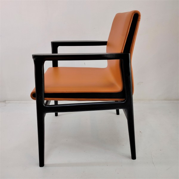 SOLID WOOD LOUNGE CHAIR - FRM02405