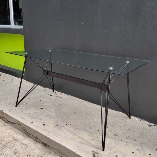 FRM5184 GLASS DINING TABLE1
