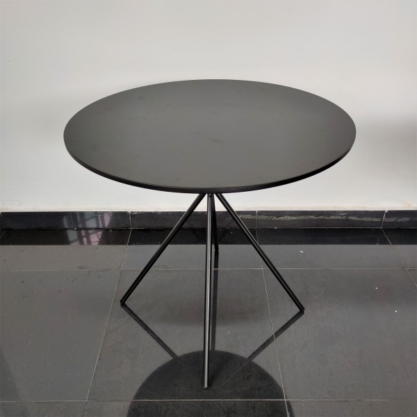 ROUND DINING TABLE - FRM51786