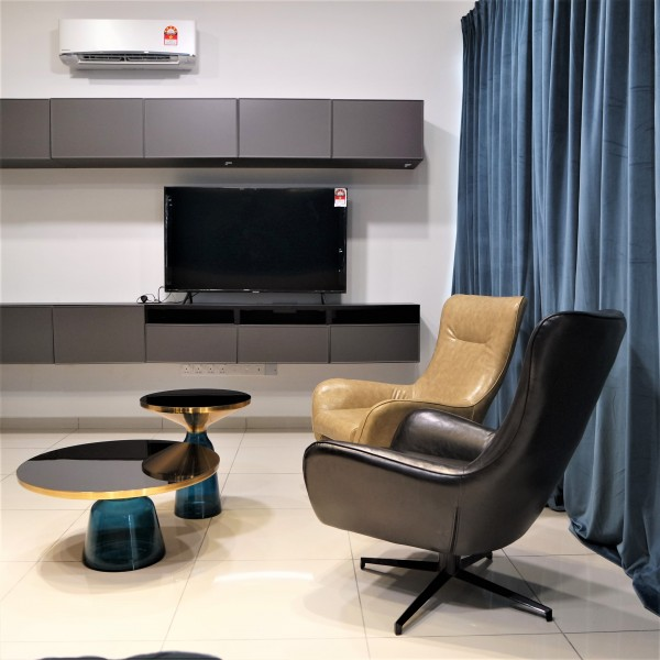 BLACK LOUNGE CHAIR - FRM7169-PB4