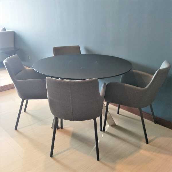 ROUND GLASS DINING TABLE - FRM51233