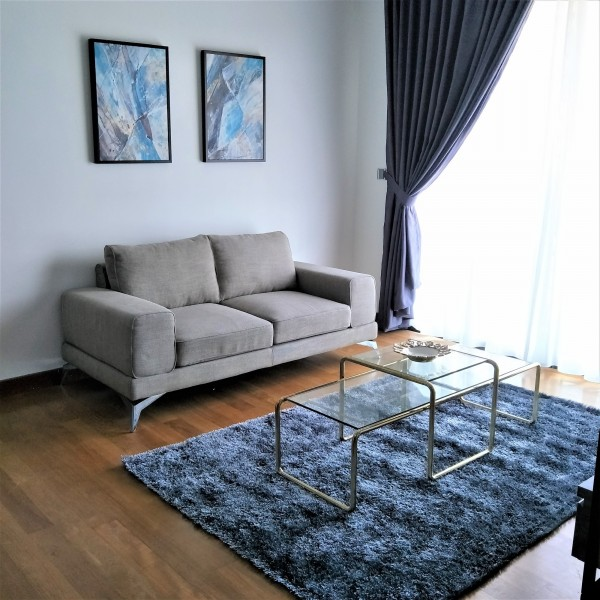 GLASS COFFEE TABLE - FRM20114