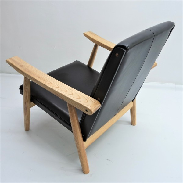 LOUNGE CHAIR - FRM71516