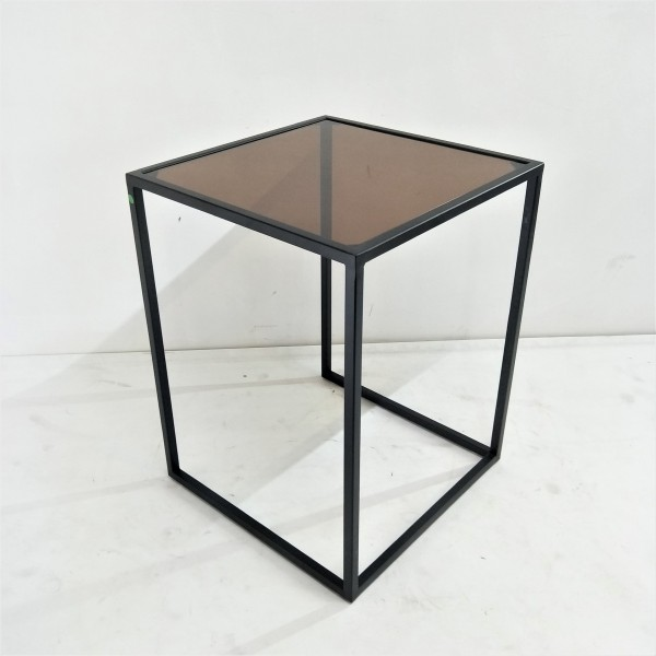 SQUARE SIDE TABLE - FRM51381